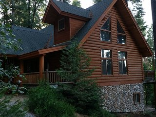 Large, Quiet Lakeview Lodge in Tall Pines; 135 miles from San Francisco, Pollock Pines