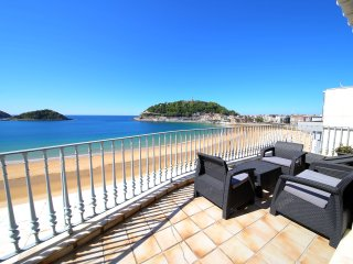 Amazing apartment in first line of La concha beach, Saint-Sébastien