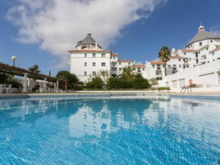 Apartment near Marina and beach in Vilamoura with Pool, WIFI and garden