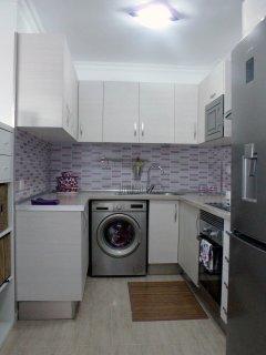 Cocina completa, horno, microondas, lavadora, secadora, nevera con dispensador de hielos , vitro...