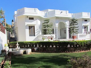Bungalow-97 Ajmer (Ground floor Homestay)