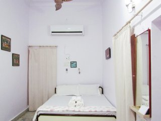 Cozy AC room in Bungalow-97-Ajmer