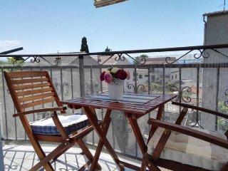 Apartment Della- One Bedroom Apartment with Terrace, Kastel Novi