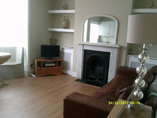 top floor 2 bedroom apartment in weymouth call portland,sleep six peoples