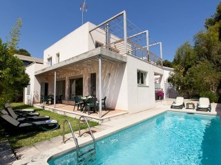 Modern 3 bedroom, 3 bathroom, holiday villa with private pool, garden & terraces, Cala Sant Vicenç