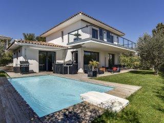 Villa moderne pres des criques de Bandol
