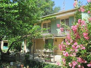 Belle maison de vacances dans les Alpilles pour 8 pers.