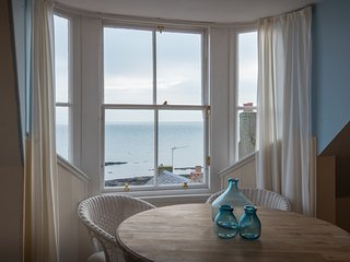 3 bedrooms, beautiful sea view, garden, free wifi in a village with aminities, Anstruther