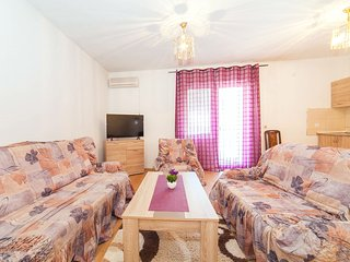 Apartments Ljutic-Cute Apartment with Sea View, Prcanj