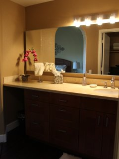Master Bath - Limestone Counters