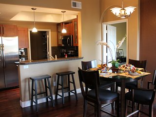 SPECIAL PRICING: Luxury Condo - Pool, Fitness Center, Sauna, Wifi, Canyon Assess