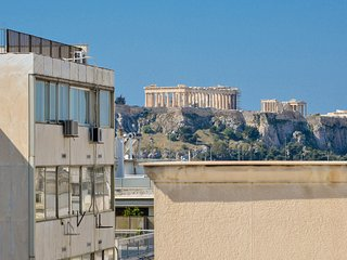 Luxurious suite with Jacuzzi and Acropolis view