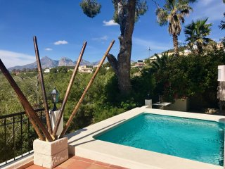 Beautiful Ibiza Style Villa with Spectacular Views ++ DREAM  HOLIDAYS ++, Altea la Vella