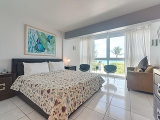 Beachfront condo w/ resort amenities like a shared pool, & partial ocean views!