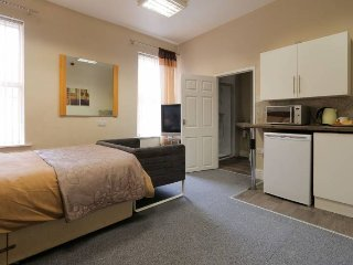 Carlton house studio room - 1 with own Kitchennette and gym access