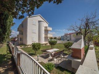 TH01275 Apartments Klaric / Studio A8
