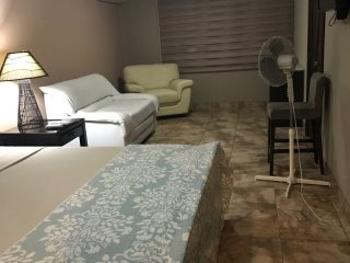 Large Master Suite near the airport, Guayaquil