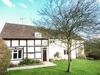 LITTLE COWARNE COURT  detached cottage, spacious accommodation, WiFi, shared, Little Cowarne