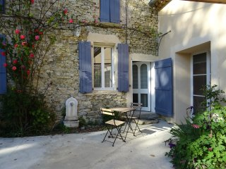 Les Beaux Chenes, old stonebuilt Mas, swimming pool,woodburner- 'St Maurice', Pont-de-Barret