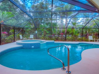 SCRND HEATED POOL/SPA-FAST WIFI-PET FRIENDLY-MINS. TO BEACH & ROGER DEAN-WASH/DR, Jupiter
