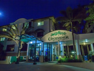 Studio Apartment at Grosvenor in Cairns (also 1 and 2 bedroom apartments)