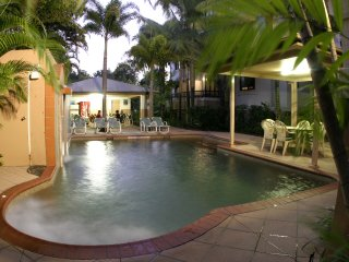 Two Bedroom Apartment Grosvenor in Cairns (F)