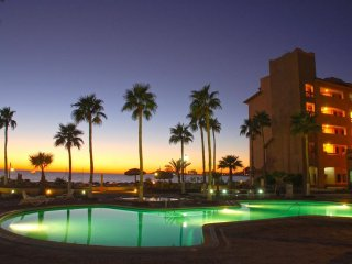 Beach Front on Sandy Beach-Majestic Ocean Via from Private Balcony, Puerto Penasco
