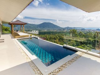 4 bedrooms sea view villa