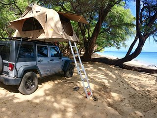 Explore Maui your own way '4x4 Jeep Wrangler + Roof top tent