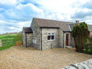 OVERDALE, ground floor cottage, beautiful views, WiFi, pet-friendly, Stainton