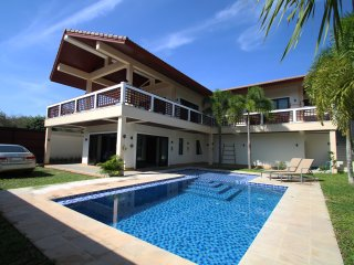 INFINITY FAMILY POOL VILLA, 2 Bedrooms, 3 Bathrooms