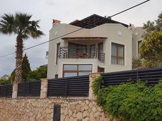 Rhapsody Villa sleeps 4 with ensuite bathrooms and private pool, Kalkan