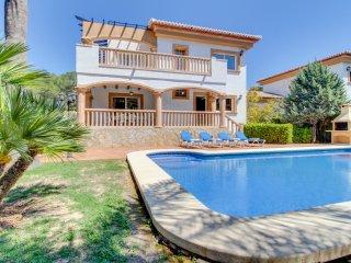 Magnifica villa c/ piscina,A/C y patio! Ref.172038