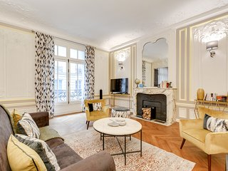 Sweet Inn Apartments Paris- Boetie IV