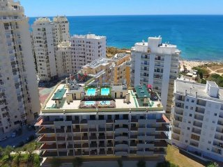 Ocean View- Lovely apartment, 100 mts from the beach / 100 metros da praia