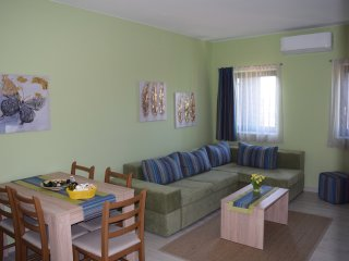 2bedroom appartment with sea view and balcony 4****, Cres