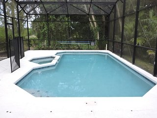 Large 4 Bed 3 Bath villa near Disney. Private heated pool (ref 25), Kissimmee