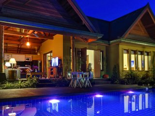 Exotic & Romantic Brand New 1 Bed Villa with Pool, Jacuzzi, 650 mtrs from ocean