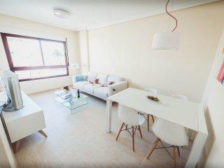 Acogedor apartamento 2 dormitorios 4 plazas y parking incluido