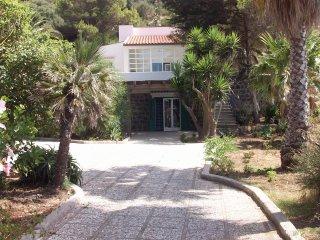 Trilocale in villa vista mare ad Ustica