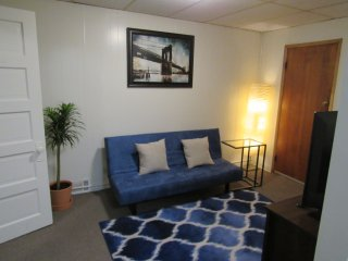 Super Clean & Cozy Private Apt Biz & Nurse Ready, Pittsburgh