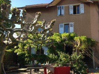 Charmant appartement dans la campagne près de Genéve