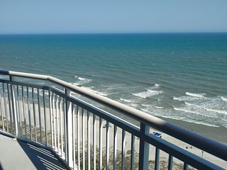 Affordable Oceanfront Luxury in Cherry Grove - special fall and winter rates