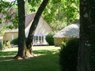 maison de charme, cadre d'exception et romantique écrin de verdure havre de paix