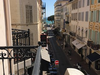 Cannes Centre just 4 minutes walk to Palais