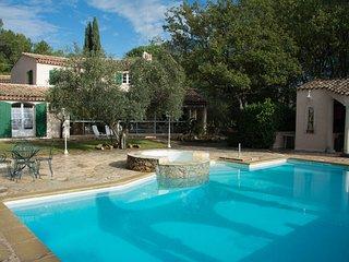 Luxueuse villa de 260m2 avec piscine dans un parc privatif de 80a pour 10-14per, Les Arcs sur Argens