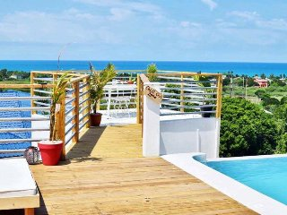 Lashings Villas, located in the beautiful Treasure Beach, Jamaica