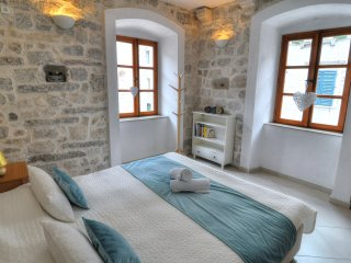 La Dolce Vita Ⅰ - Old Town Kotor Luxury Apartment