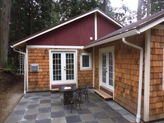 Harmony Park Cottage at amazing Lily Point - Point Roberts Wa.