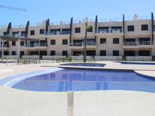 2 Bedroom Brand New Apartment -  Walking Distance  To The Beach